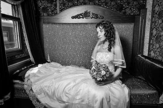 продам свадебное платье силуэта русалка,со шлейфон