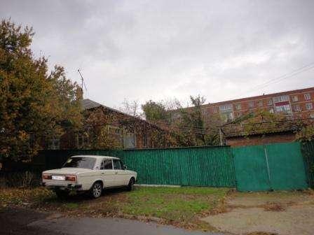 В Кропоткине по ул.Краснодарской 1\2 часть дома кирпичного 5