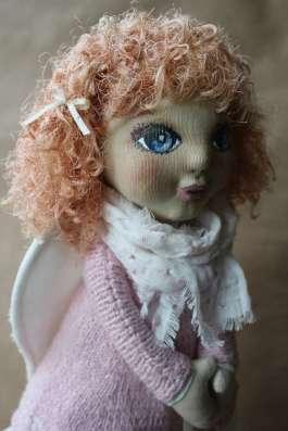 куколка с крыльями