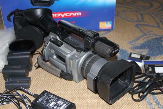 Видеокамера SONY-DCR-VX2100Е