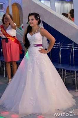 продам красивое свадебное платье размер 42-46